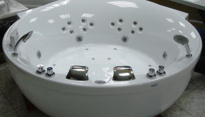 Гидромассажная ванна должна быть снабжена специальным оборудованием