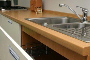 Как выбрать мойку на кухню по форме, установке и материалу изготовления?