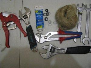 Инструменты, которые необходимы для установки бойлера в квартире своими руками