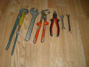Инструменты, которые понадобятся для установки смесителя на кухне