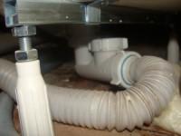 Как установить сифон к ванне при установке всей конструкции?