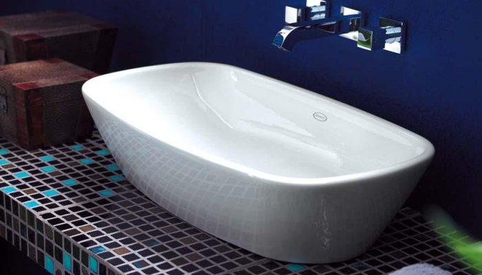 Накладной умывальник в ванную прямоугольной формы с закругленными углами