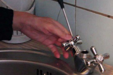 Правила установки смесителя на кухне своими руками