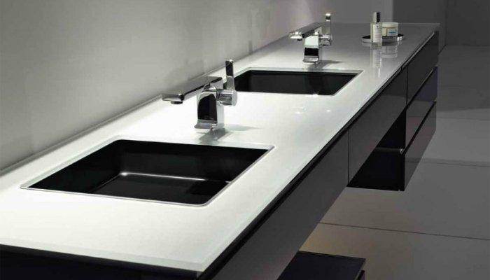 Стильные встроенные умывальники для ванной комнаты с подвесной тумбой