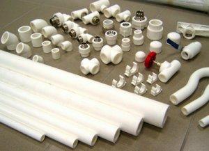 Ассортимент ПВХ труб и дополнительных деталей для водопровода