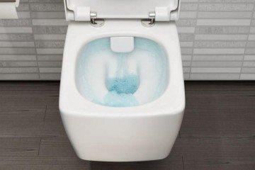 Что делать, если сливной бачок не держит воду и она постоянно течет в унитаз?