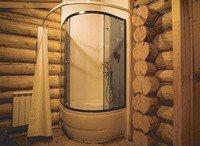 Душевая кабина в сельском доме