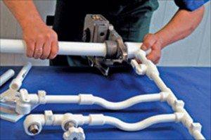 Прокладка полипропиленовых труб для подвода холодной воды