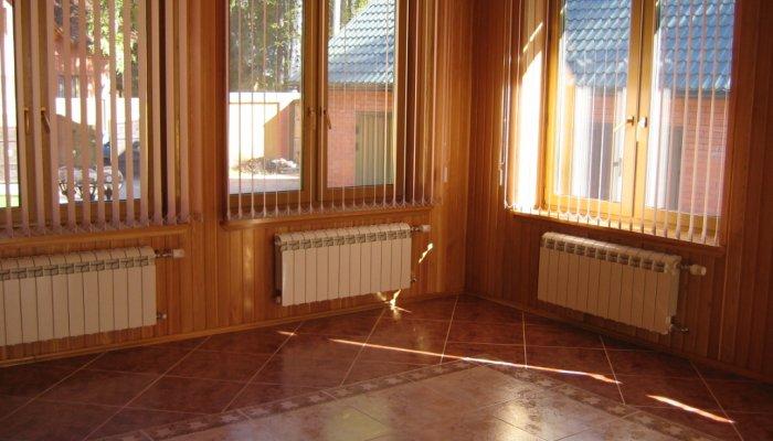 Биметаллические радиаторы оптимальны для установки в доме на земле