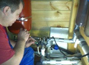 Как самостоятельно отрегулировать реле давления воды для насосной станции?