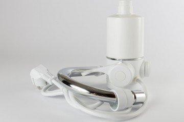 Проточный электрический нагреватель воды для установки на кран
