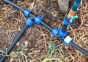 Разводка труб ПНД по дачному участку для монтажа водопровода
