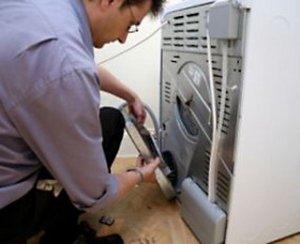 Способы ремонта стиральной машины, когда она течет