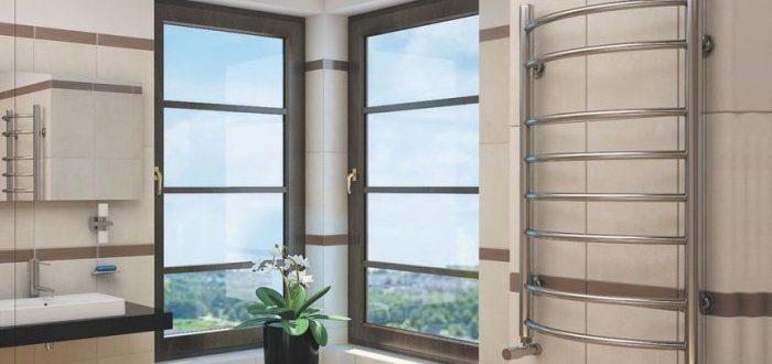 Все о выборе водяного полотенцесушителя для ванной комнаты