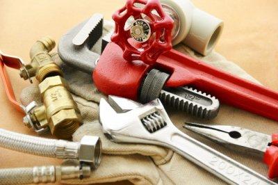 Инструменты и расходные материалы для установки радиатора отопления своими руками