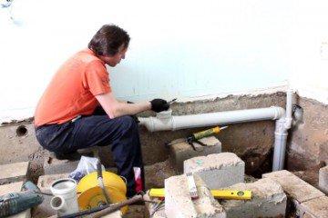 Какие расходные материалы потребуются для проведения канализации на даче?