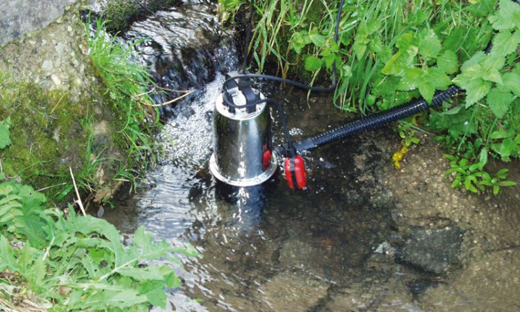 Погружной насос для полива огорода из водоема