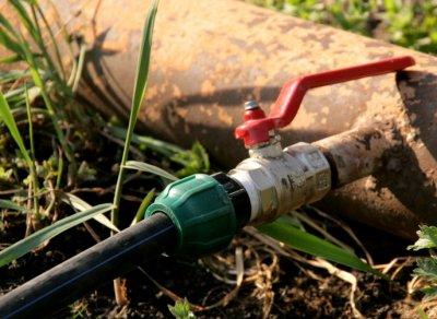 Обустройство летнего водопровода в бане